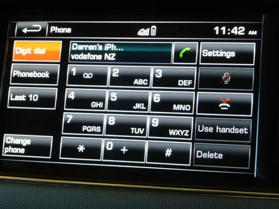 Range Rover Bluetooth screen