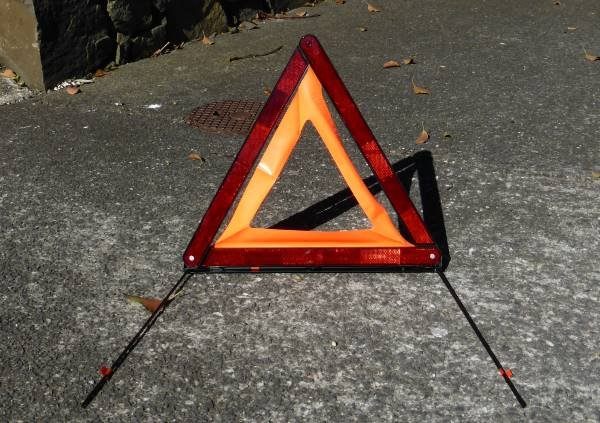 reflectorised warning triangle