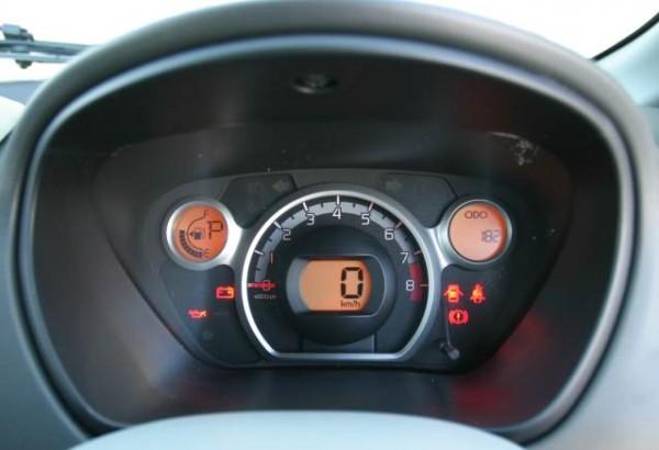 Mitsubishi i-car dials