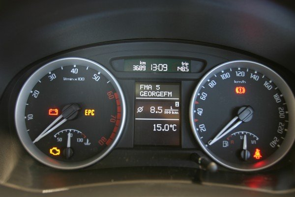 Skoda Roomster dials