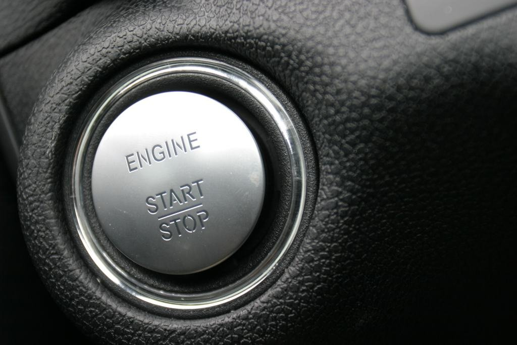 Should You Stop Your Engine While Waiting At A Red Light